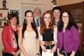 Oceněné studentky s náměstkyní hejtmana Janou Pernicovou, ředitelem školy Zdeňkem Rösslerem a vyučující Ludmilou Skokanovou. Zleva Marie Štrychová, Kristýna Černá a Lucie Paslerová.