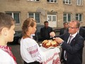 Tradiční přivítání chlebem a solí ve škole v Koločavě