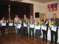 Držitelé diplomů komise